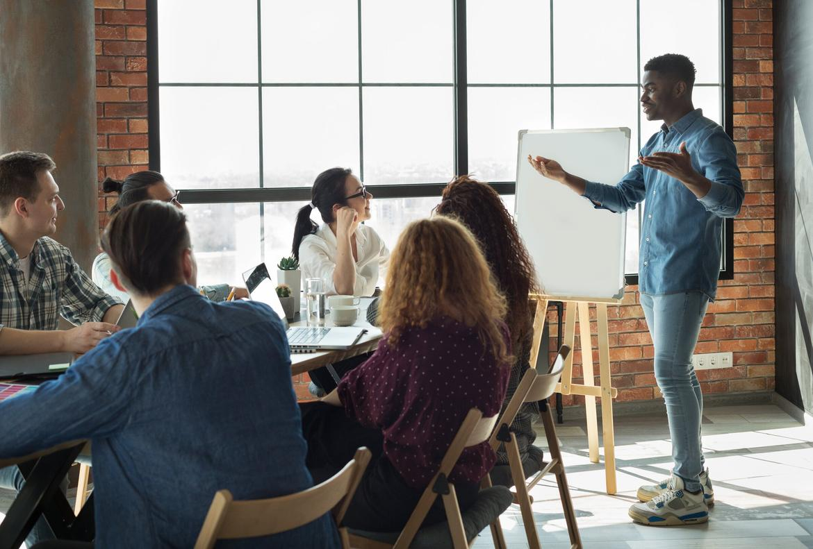 10 Low (Or No!) Cost Employee Training Programs That Really Work