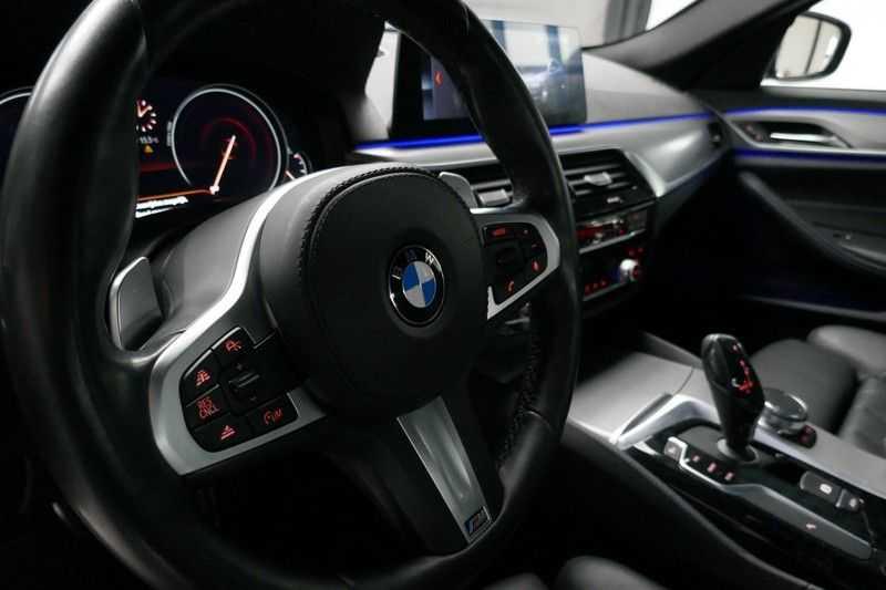 BMW 5 Serie 530d High Executive M-Sport afbeelding 15