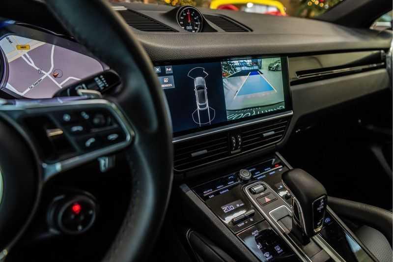 Porsche Cayenne Coupé 3.0 | BOSE | Adaptieve luchtvering | Led-Matrix | Licht Design pakket afbeelding 14