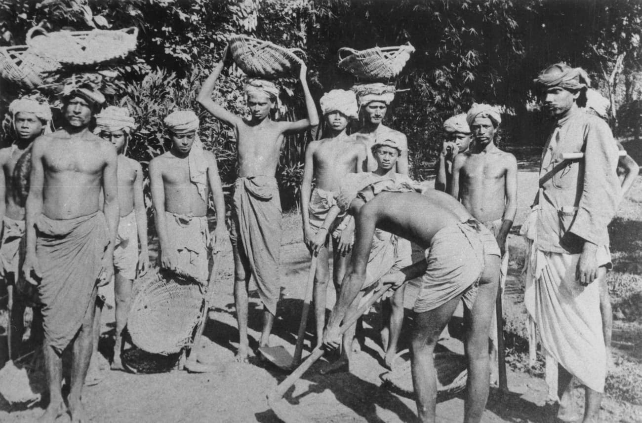 Tamil coolies, 1880s