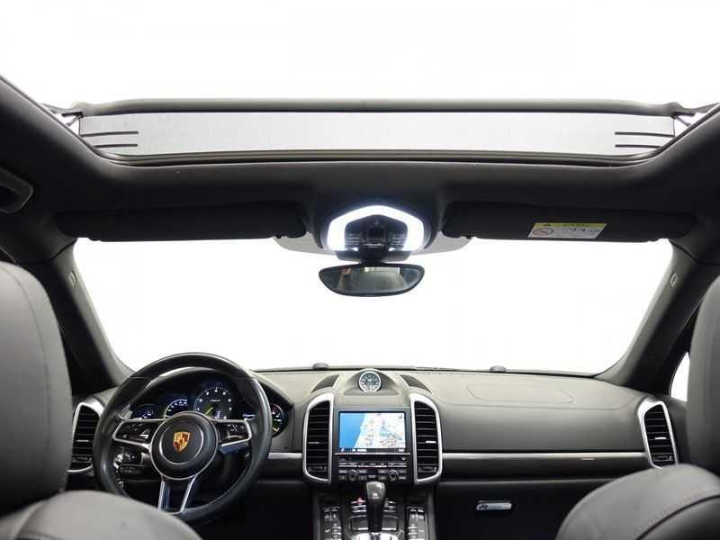 Porsche Cayenne 3.0 S E-Hybrid Sport Chrono Plus 334pk Aut, Pano, Leer, Camera, Full! afbeelding 20