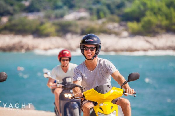 4 Reasons To Venture Off The Beaten Path And Hire A Vespa In Italy