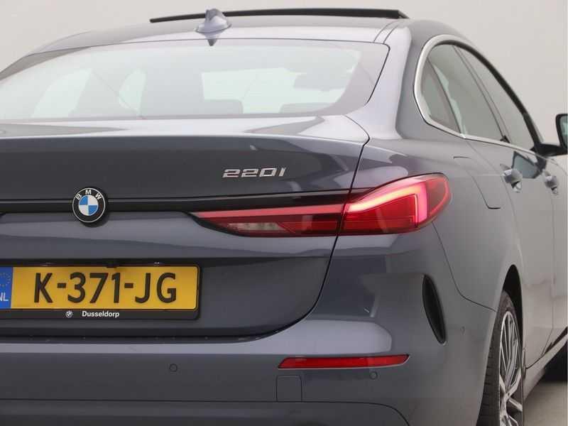 BMW 2 Serie Gran Coupé 220i High Executive Luxury Line Automaat afbeelding 22