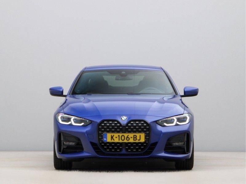 BMW 4 Serie Coupé 430i High Exe M-Sport Aut. afbeelding 6