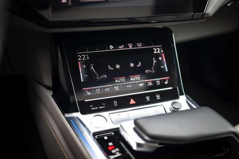 "Audi e-tron 55 Quattro *4% Bijtelling / Massage / HUD / Pano / 21"" / Hulppakket Stad & Tour* afbeelding 14"