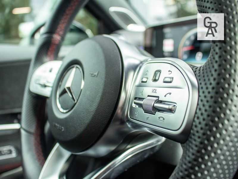Mercedes-Benz A-Klasse A35 AMG AKRAPOVIC 4MATIC Advantage 370 PK afbeelding 16