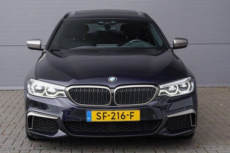 """BMW 5 Serie M550d X-Drive M-Pakket Shadow B&W Camera 360° Massage 20"""" afbeelding 12"""