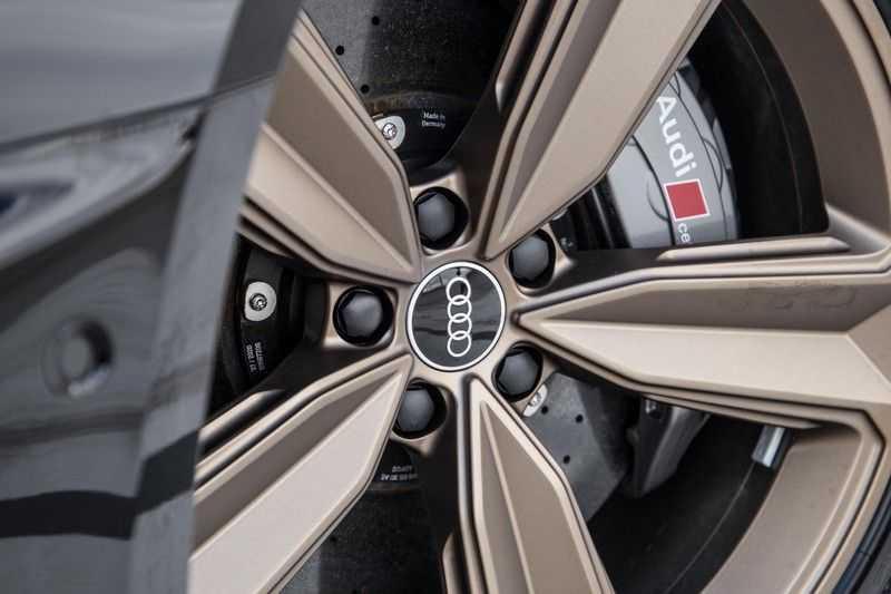 Audi A4 Avant 2.9 TFSI RS4 quattro   450PK   Style pakket Brons   Keramische remschijven   RS Dynamic   B&O   Sportdifferentieel   280 km/h Topsnelheid   afbeelding 2