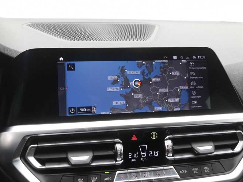 BMW 3 Serie Touring 318i High Executive M-Sport Automaat afbeelding 6