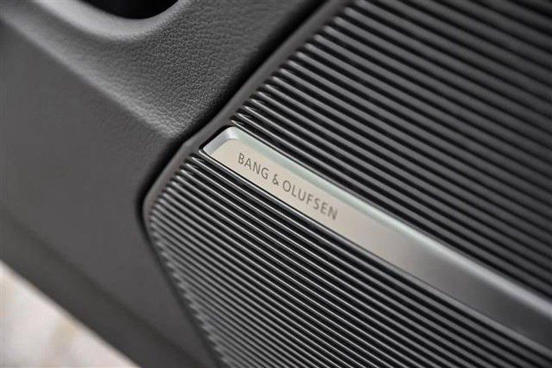 Audi Q8 55 TFSI S-LINE+23INCH+PANO.DAK+360CAM+BLACKLOOK afbeelding 19