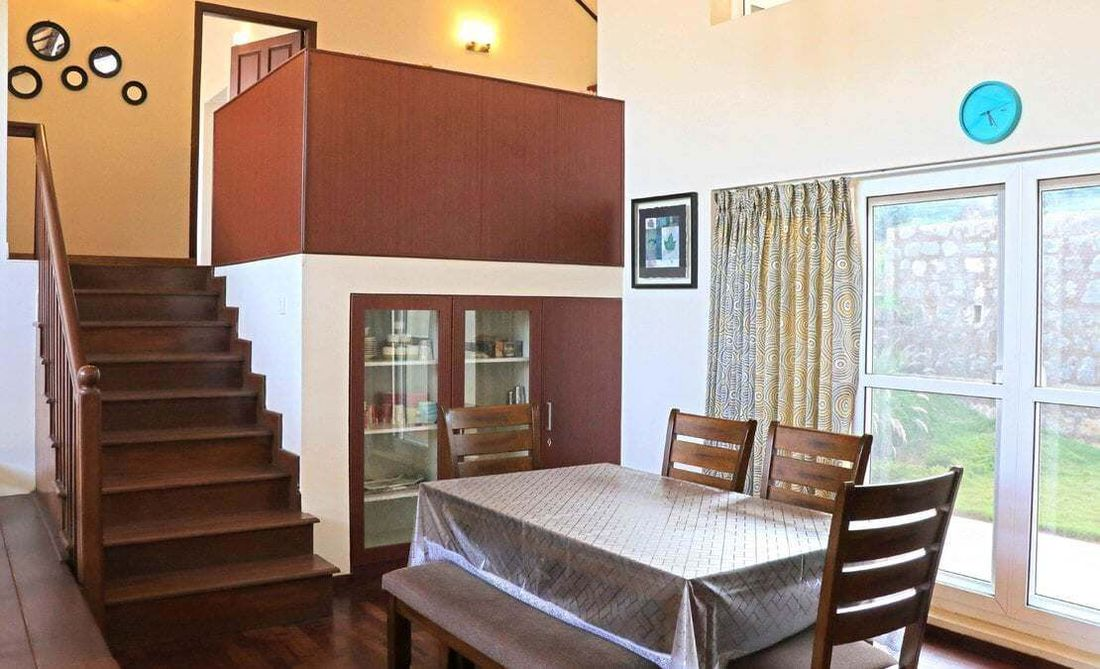 Dinning hall come staircase