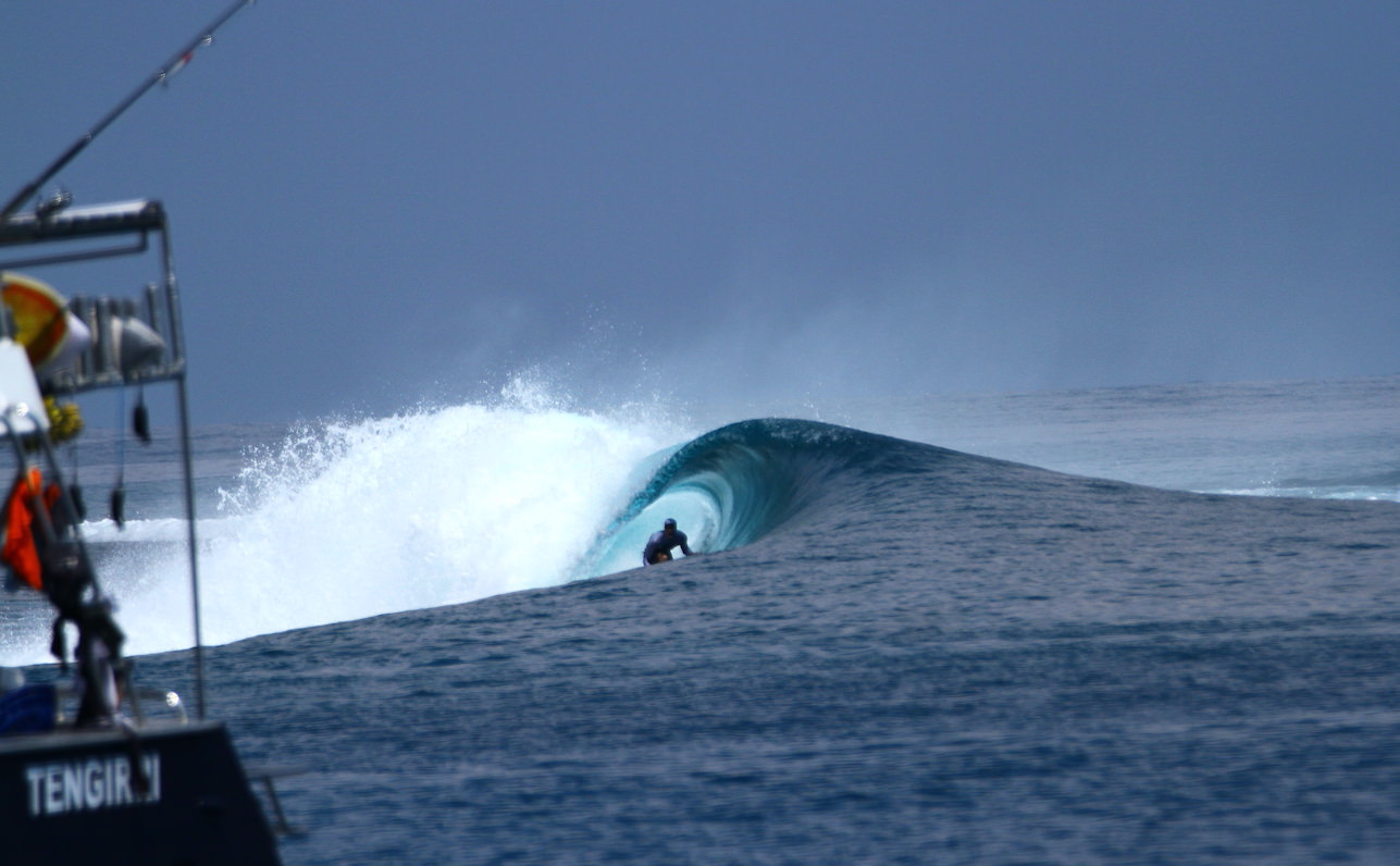 Tengirri Surf Charter Power Catamaran Mentawai surfer
