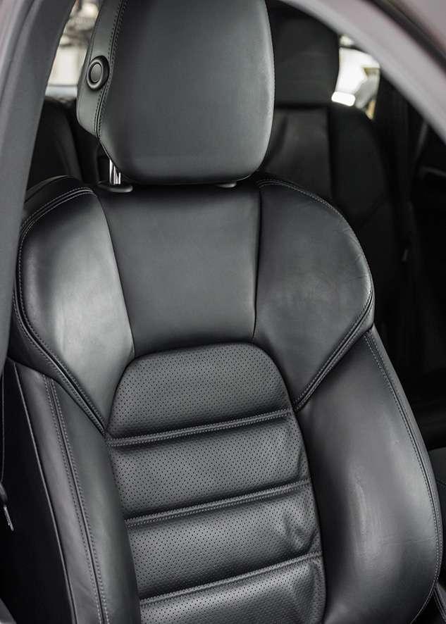 Porsche cayenne car before interior detailing