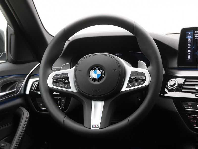 BMW 5 Serie 520e Sedan High Exe M-Sport Hybrid afbeelding 11