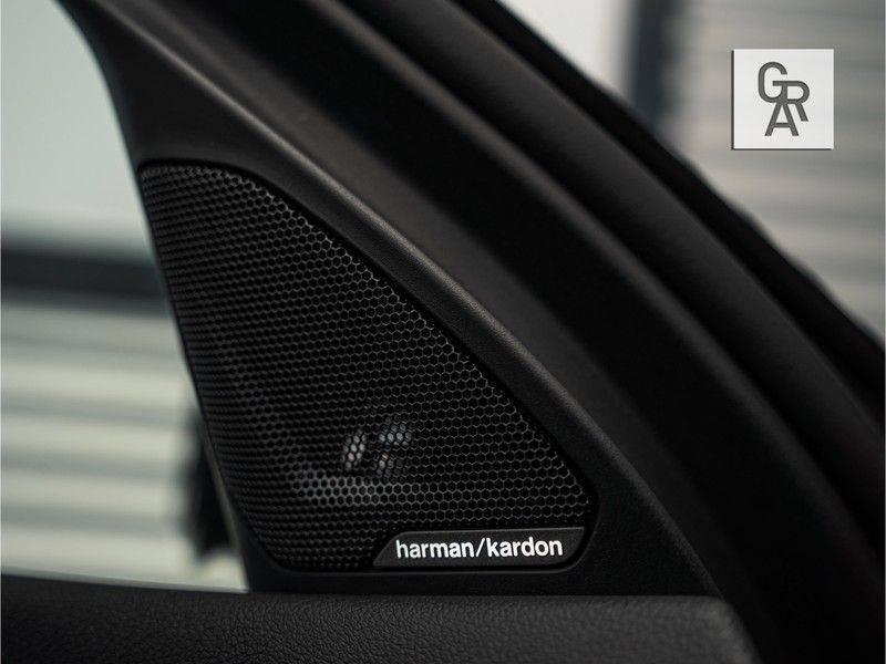 BMW 1 Serie M135i xDrive High Executive afbeelding 19