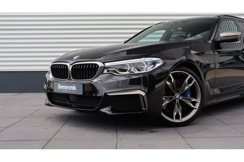 BMW 5 Serie Touring M550d xDrive High Executive Bowers & Wilkins, Head-Up Display, Soft-Close, Stoelventilatie afbeelding 22
