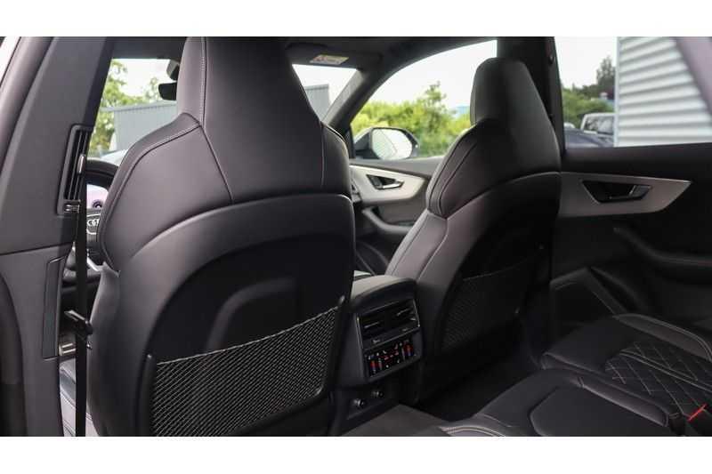 Audi Q8 55 TFSI quattro S-Line, Panoramadak, B&O, Massage, Ruitstiksel, Trekhaak afbeelding 14