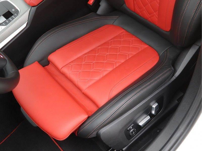 BMW 3 Serie 330e xDrive Touring High Executive afbeelding 16