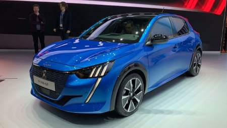 French supermini Peugeot 208 will have an all-electric cousin later in 2019 with the 50 kWh battery powered e-208