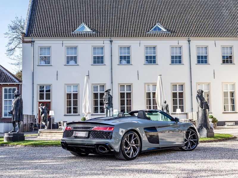 Audi R8 Spyder 5.2 performance quattro | 620PK | Magnetic Ride V10 | B&O sound | Carbon | Ceramic | Audi Exclusive | Garantie tot 07-2025* afbeelding 12