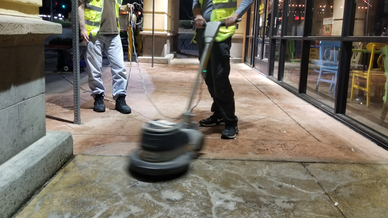 pressure-washing-cafe-rio-storefront-and-siding--cleaning-02
