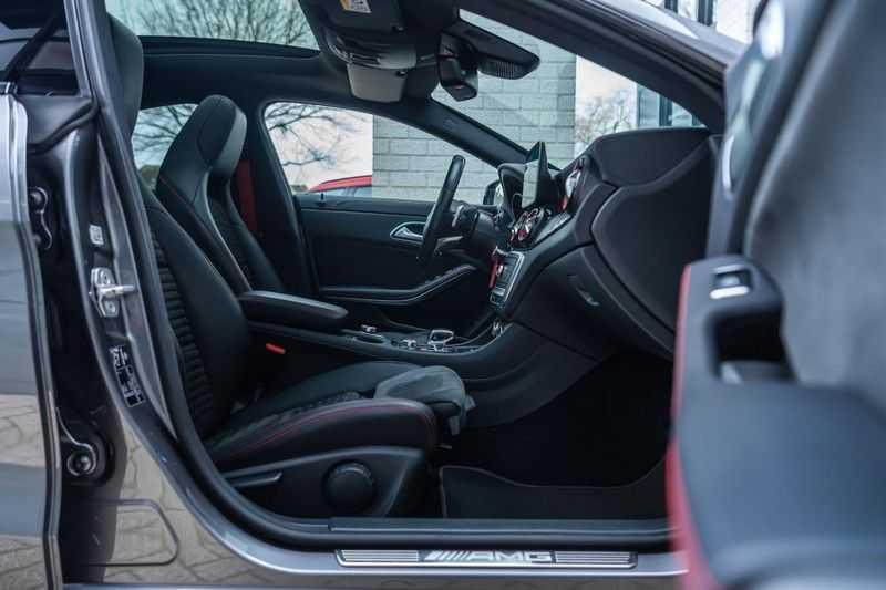 Mercedes-Benz CLA-Klasse 45 AMG 4MATIC, 381 PK, Facelift, Pano/Dak, Camera, Night/Pakket, AMG-Sportuitlaat, 52DKM!! afbeelding 3