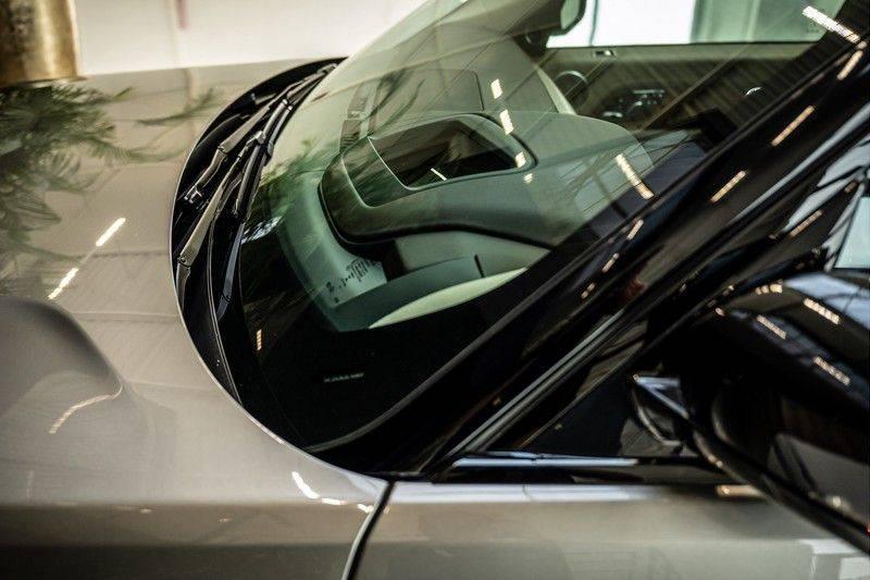 Land Rover Range Rover 4.4 SDV8 Black Pack | Panorama | Head-up Display | Trekhaak | Ambient lighting afbeelding 8