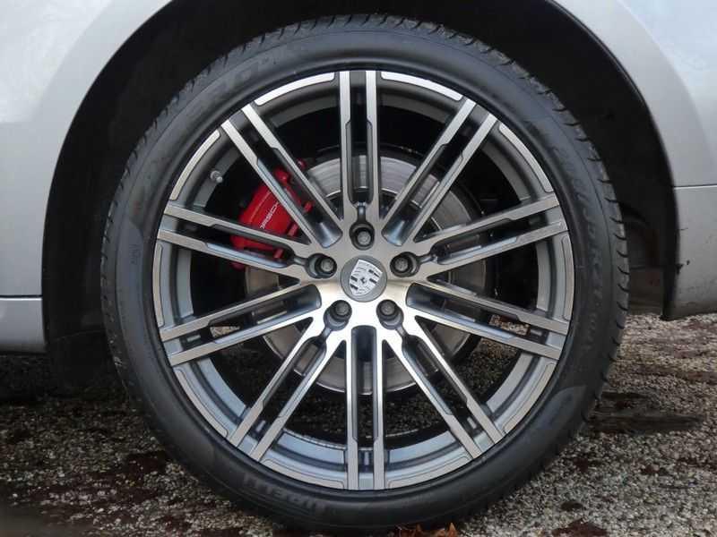 Porsche Macan 3.6 Turbo afbeelding 24