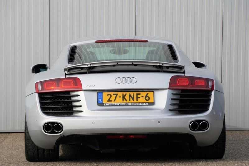 Audi R8 4.2 V8 FSI / 49dkm NAP / 1e eigenaar / B&O / R-Tronic / Orgineel Nederlands! / Navigatie afbeelding 21