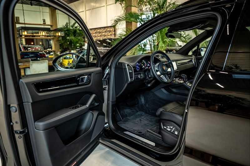 Porsche Cayenne 3.0 E-Hybrid | Panorama | Memory | 360 gradencamera | Sport Chrono | DAB afbeelding 12