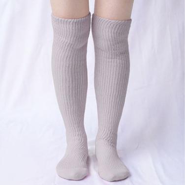 肌側シルクうるおい二重編靴下