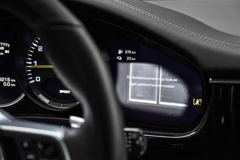 Porsche Panamera TURBO S E-HYBRID SPORT TURISMO SPORTDESIGN NP.237K afbeelding 4