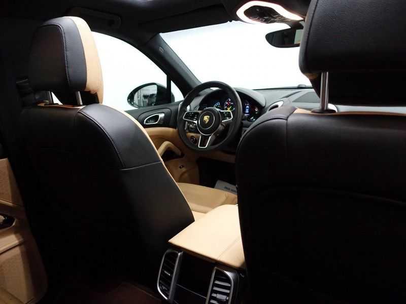 Porsche Cayenne 3.0 S E-Hybrid Sport 334pk Autom Bi Colour Leder, Panodak, Navi, Xenon Led afbeelding 20