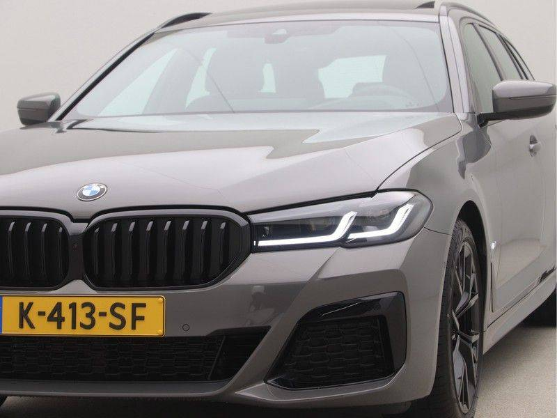 BMW 5 Serie Touring 520i High Executive M-Sport Automaat afbeelding 22