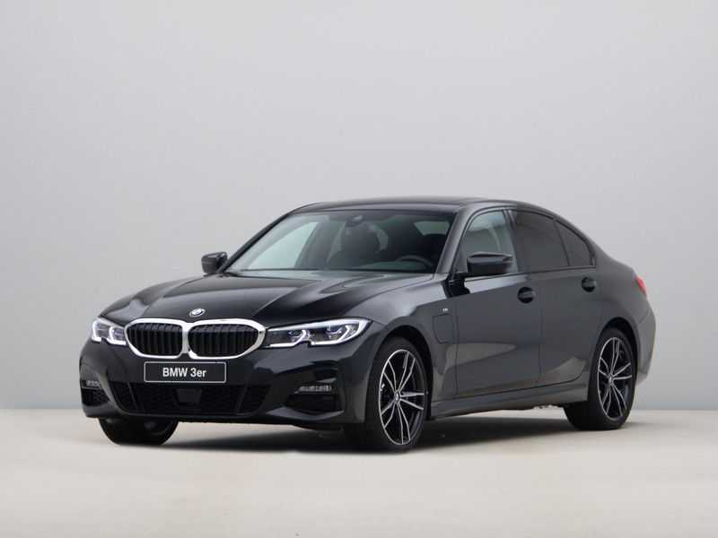 BMW 3 Serie 320e High Exe M-Sport Hybrid afbeelding 1