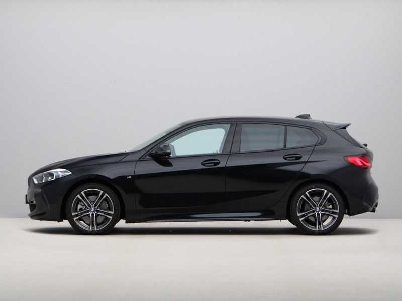 BMW 1 Serie 120i High Exe M-Sport Aut. afbeelding 13