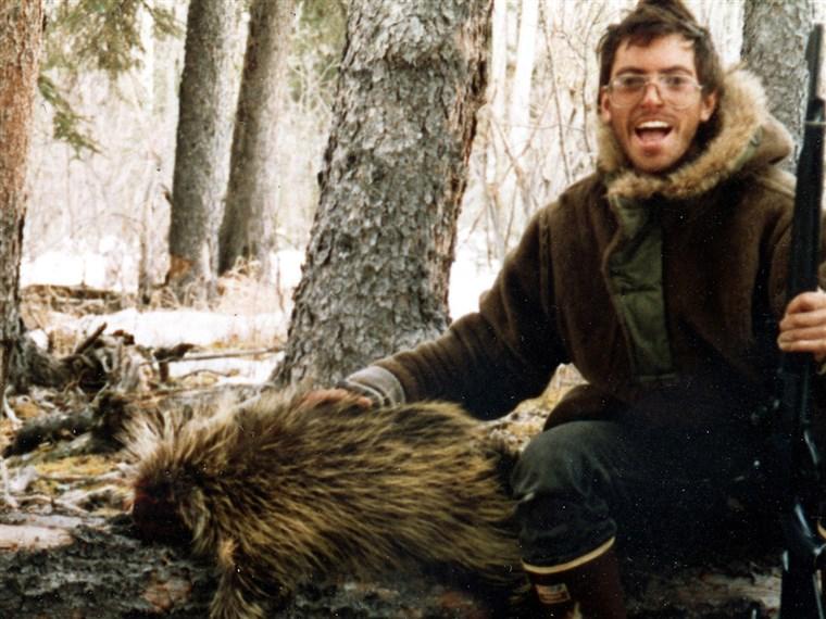 Foto do McCandless com um animal