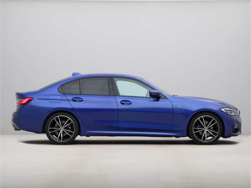 BMW 3 Serie 320i High Exe M-Sport Aut. afbeelding 4