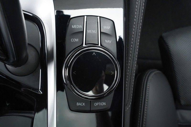 """BMW 5 Serie M550d X-Drive M-Pakket Shadow B&W Camera 360° Massage 20"""" afbeelding 25"""