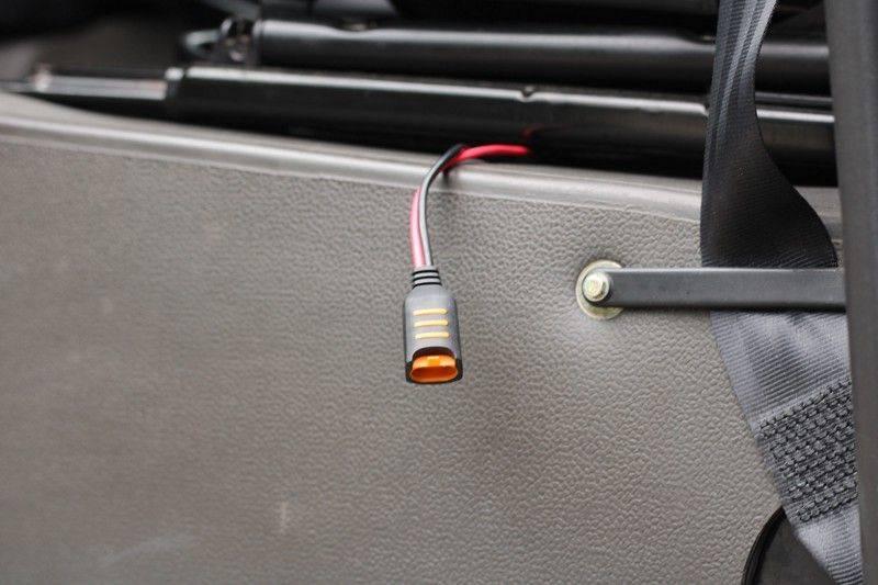 Land Rover Defender 110 Cabrio LS V8 aut. Uniek! afbeelding 20