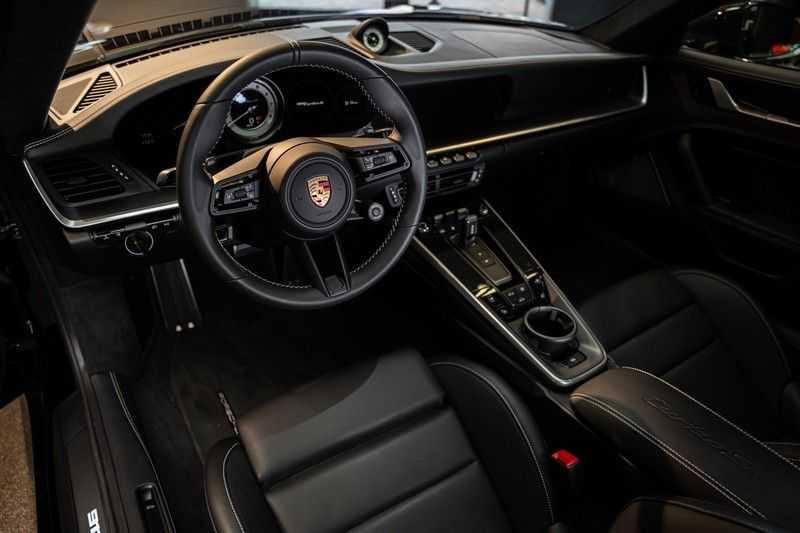 Porsche 911 992 Turbo S keramisch PCCB Burmester PDLS 3.8 Turbo S afbeelding 13