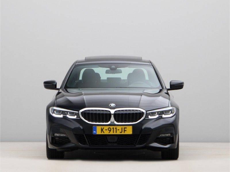 BMW 3 Serie 320i High Executive Model M Sport afbeelding 6