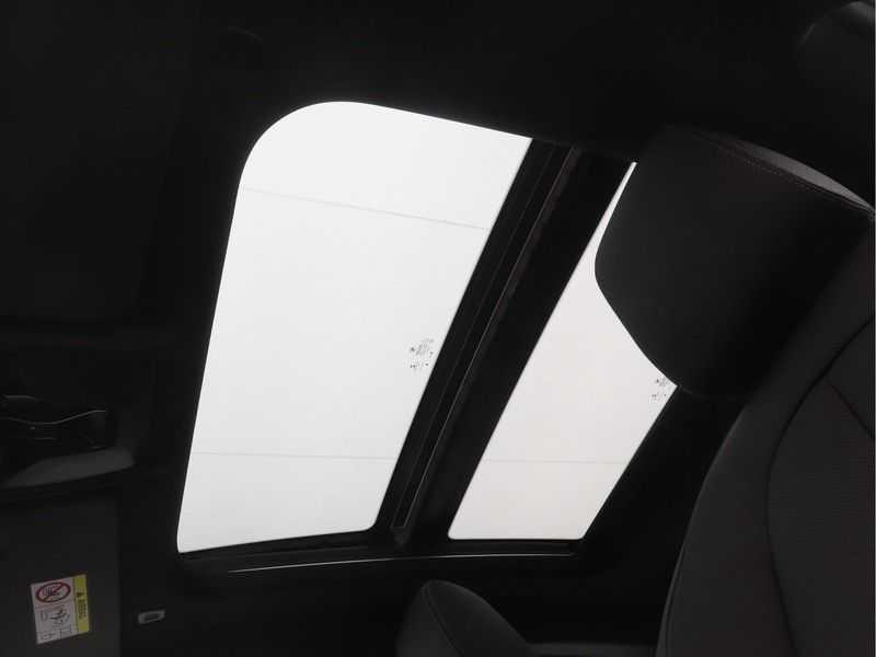 BMW 2 Serie Gran Coupé 220i High Executive Luxury Line Automaat afbeelding 17
