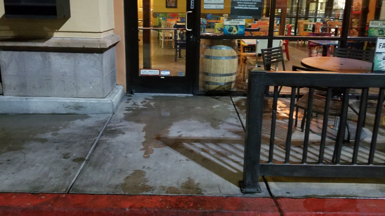 pressure-washing-cafe-rio-storefront-and-siding--after-03