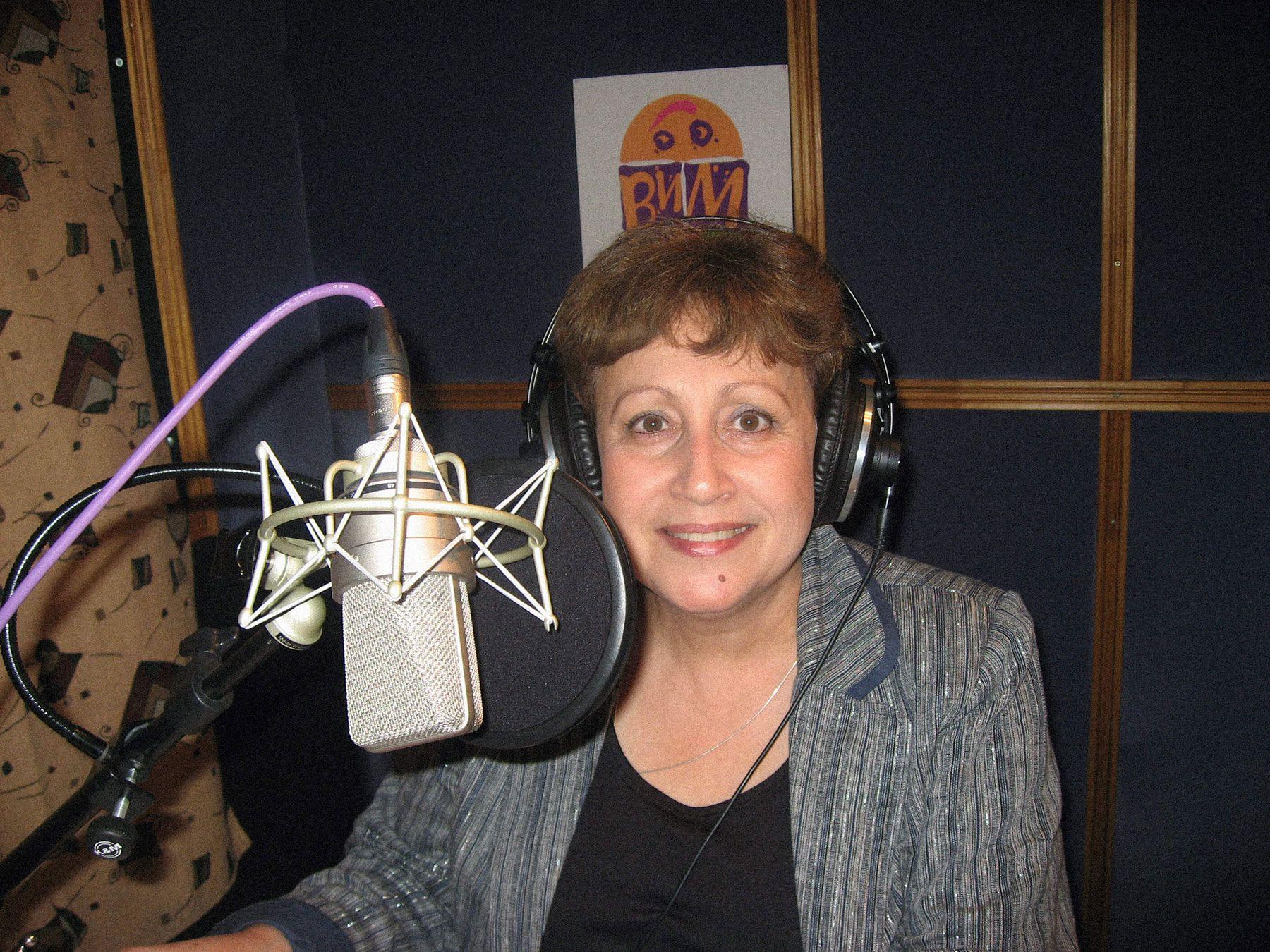 Дина Рубина записывает аудиокнигу. Фото: «ВИМБО»
