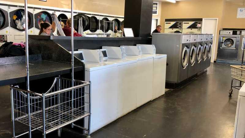 Laundromat in Tehachapi
