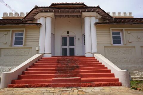 Balaclava House - Large Colonial Bungalow in Coonoor