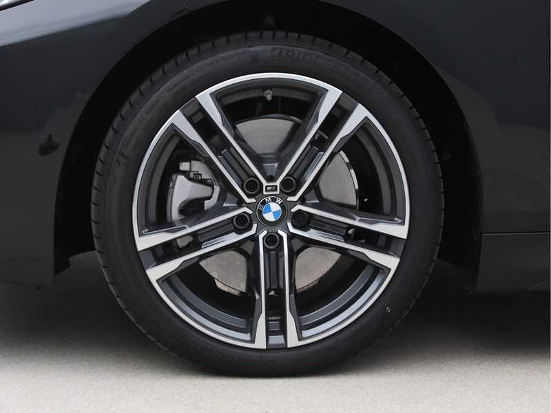 BMW 1 Serie 120i High Exe M-Sport Aut. afbeelding 23