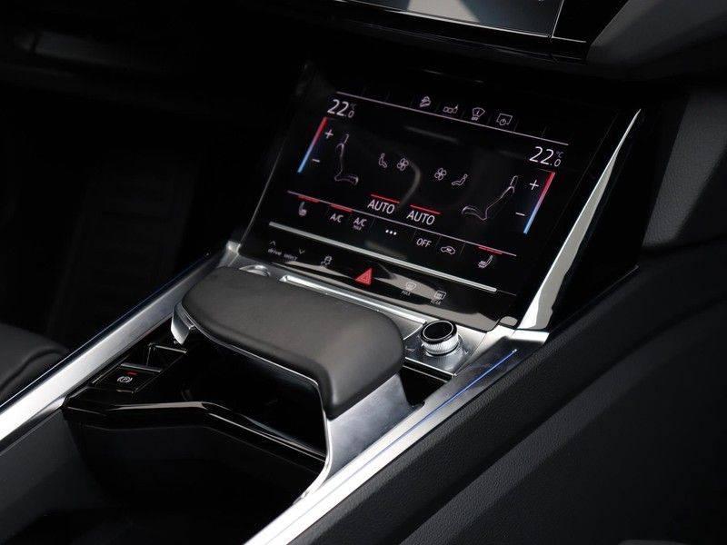 Audi e-tron 55 Quattro Incl. BTW | +/- €130 netto bijtelling| Camerabeeld spiegels | Adapt. Cruise | NAVI | Head-Up Display | 21 Inch | Matrix LED | 360 Camera | B&O | DAB | Keyless-Entry | Pano-Dak | afbeelding 24
