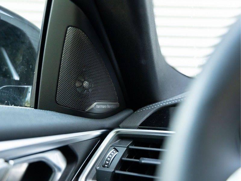 BMW 4 Serie Coupé M440i xDrive - High Executive - M-Remmen - Harman Kardon - Driving Ass Prof afbeelding 21